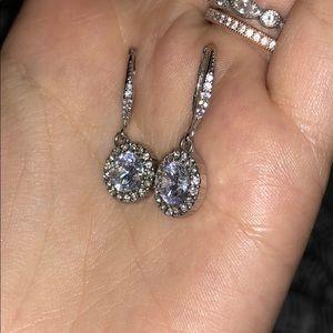 Jewelry - Diamond dangle earrings